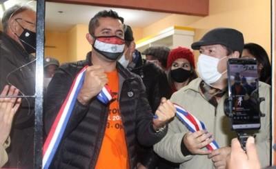 Víctor Torales inaugura PC en barrio Ciudad Nueva