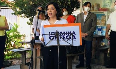 Johana Ortega dice que García debe renunciar a Diputados para seguir en campaña a la Municipalidad