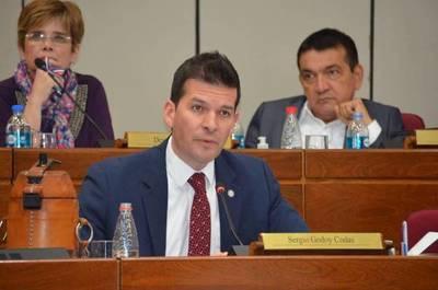 Sergio Godoy aporta sentido común al Senado y plantea mayores penas para invasores de la propiedad privada