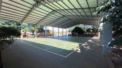 Municipalidad inaugura polideportivo en escuela Generación de la Paz
