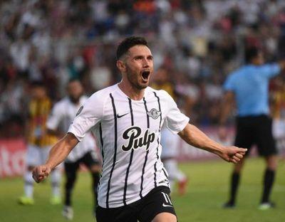 Conversaciones formales: Cerro Porteño está interesado en Adrián Martínez