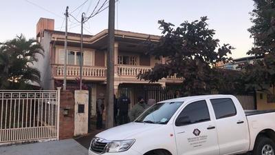 Inventan una causa en la Fiscalía para allanar vivienda y demorar a 11 docentes brasileños