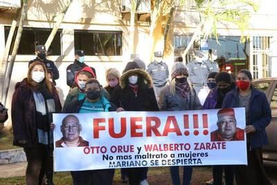 Suspenden a concejales de Roque Alonso por denigrar y maltratar a mujeres