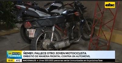 Ñemby: Joven motociclista muere tras chocar contra automóvil