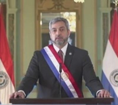 Mario Abdo Benítez anuncia el avance del plan de vacunación