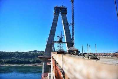 Puente de la Integración: Concluyen edificación de primera losa de transición de torre principal