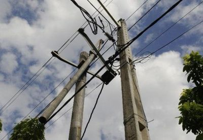 Adolescente intentó robar cables y murió electrocutado