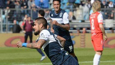 Víctor Ayala retorna al fútbol paraguayo