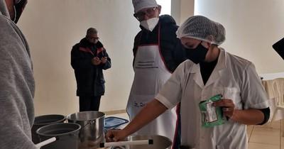 La Nación / Productores de Campo 9 aprenden procesamiento de lácteos y derivados