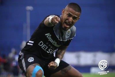 Víctor Ayala jugará en el futbol paraguayo