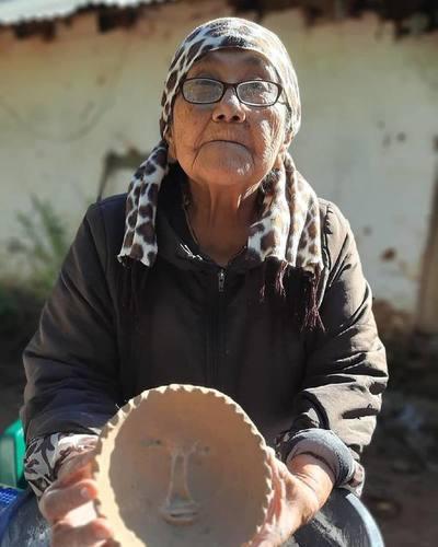 La historia de Ña Rosalina, un tesoro vivo del Paraguay