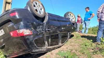 Concejal sufre vuelco de vehículo en Concepción