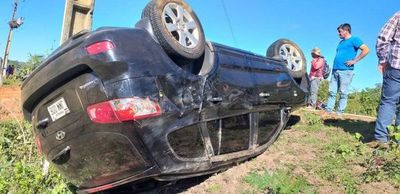 Concejal de P.J.C sufre vuelco de vehículo en Concepción