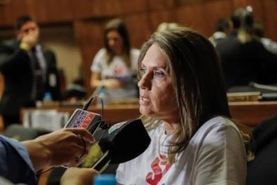 Informe anual presidencial: 'No escuchamos más el caiga quien caiga' señaló diputada