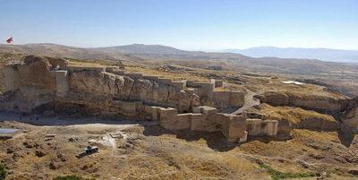 ¡Impresionante! Descubren castillo enterrado de hace 2.800 años en Turquía