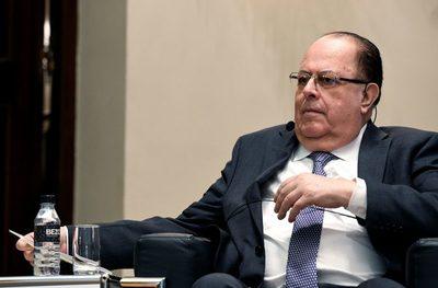 El presidente del Banco Central de Perú abre la posibilidad de seguir en el cargo