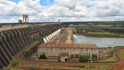 Sector energético critica plan para bajar la tarifa de Itaipú