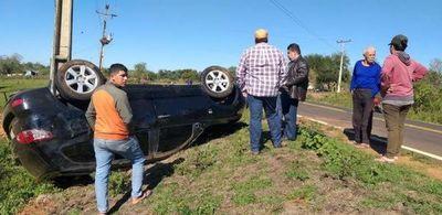 Concejal municipal de PJC sufre vuelco de vehículo en Concepción