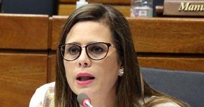 La Nación / Mario Abdo dio un mensaje sin contenido político leyendo un PowerPoint, dice diputada