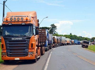 Ejecutivo reduce retención del IVA a camioneros