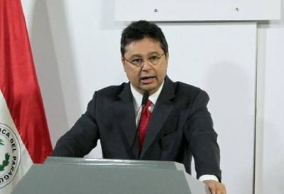 "Exministro Leite califica de ""títere"" a Abdo y de ""gavilla"" a Gabinete"
