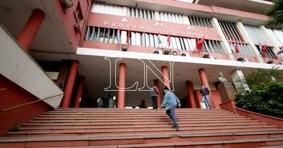 La Nación / TEP colorado proclama candidatos a intendentes y concejales de Central