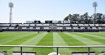 Cheques ya no serán medios de pago de Olimpia, dice asesor financiero del club