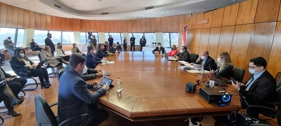 Discuten mecanismos de financiación para enfrentar la pandemia en los próximos meses
