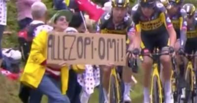 """La aficionada del cartel que provocó la caída masiva en el Tour de Francia rompe su silencio: """"Estoy avergonzada"""""""
