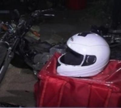 Otro trabajador delivery que muere tras chocar contra camioneta