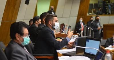 La Nación / Bancada de HC en Diputados presenta proyecto de ley que regula ejercicio de la medicina estética