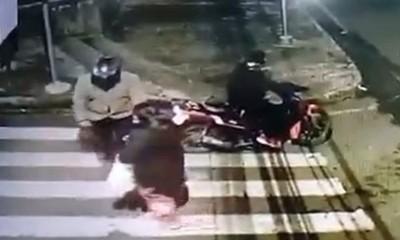 """CDE: Conductor """"justiciero"""" atropelló a motochorros"""