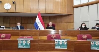 La Nación / Senadores socializan proyecto de ley de comercialización del cáñamo