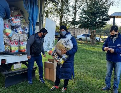 Distribuyen kits de alimentos en San José de los Arroyos