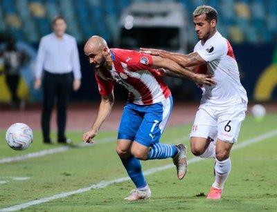 Paraguay queda fuera de la Copa en tanda de penales