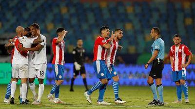 El desafío de Gustavo Gómez al árbitro de Paraguay-Perú