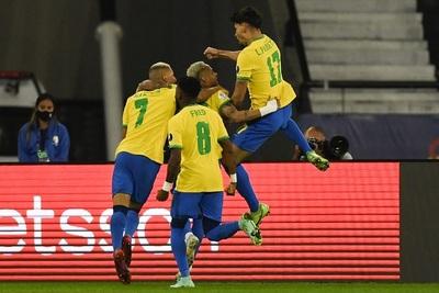 Copa América: Brasil supera con lo justo a Chile y se mete en semifinal