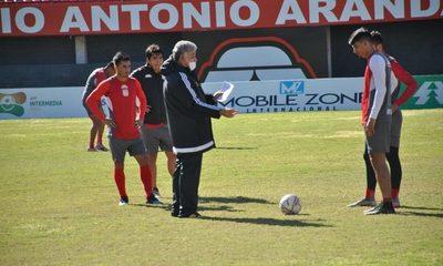 Gabino Román debuta con la misión de ganar