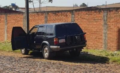Tras persecución, bandidos abandonan camioneta robada