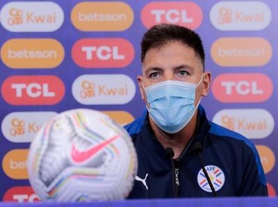"""""""El problema de Paraguay no está en el entrenador, no puede hacer milagros"""""""