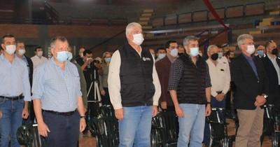La Nación / Abdo retomó su jornada de gobierno tras la tragedia en Miami