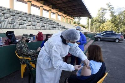 Más de 500 trabajadores ya utilizaron su permiso para vacunarse o acompañar a adultos mayores