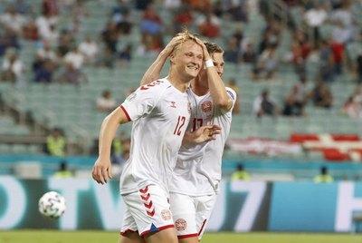 Dinamarca derrota a República Checa y se mete a 'semis' de la Eurocopa