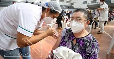 La Nación / Atención: Salud Pública habilitaría vacunación para todos en 15 días