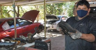 La Nación / Reo montó taller mecánico para costear estudios de su hija