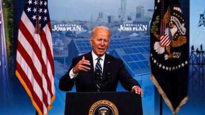 Joe Biden celebra victoria contra el Covid, pero quedan duros desafíos