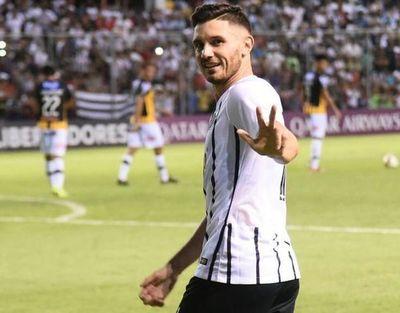 Adrián Martínez firma con Cerro Porteño
