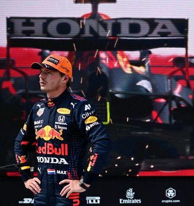 Max Verstappen logra la pole