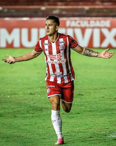 Paiva, doblete y  liderato en la Serie B de Brasil