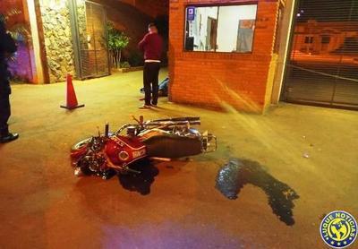 Un militar muere en accidente de moto en Luque •